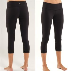 Lululemon Wunder Under black crop leggings